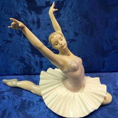 Art Of Dance Ballet Dancer Female Girl Ballerina Porcelain Nao By Lladro #1629