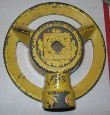 Yellow Metal Vintage Can't Beat'em Lawn Garden Stationary Sprinkler pat pending