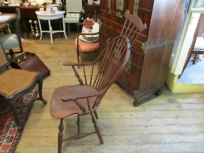 Antique 18Th Century Comb Back Windsor Arm Chair