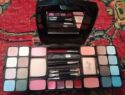 Fanta Sea Cosmetics Collection Case, Shadows, Blushers, Pencils, Lipsticks Set