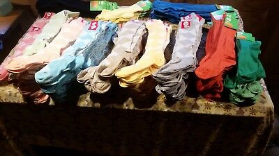 L@@K 700+ approx Vintage 70s 80s women's and girls socks in all sizes and styles