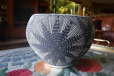 Beautiful Fine Line .. Victorino... Acoma ...pueblo Bowl
