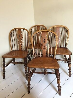 Set of 4 Windsor Dining Chairs