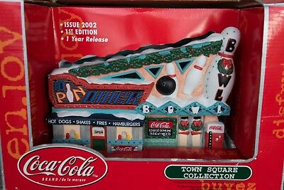 Coca Cola 2002 Town Square Collection 10 Pin Bowling Alley and Diner  EXCELLENT