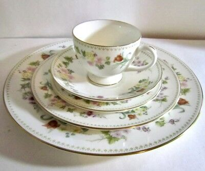 Wedgwood Fine Bone China Mirabelle 5 Piece Place Setting MINT