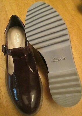 010f1ffe1d9 CLARKS SOMERSET Brown Patent Leather MARYJANE T-STRAP Shoes Wo s 7.5M  UNWORN