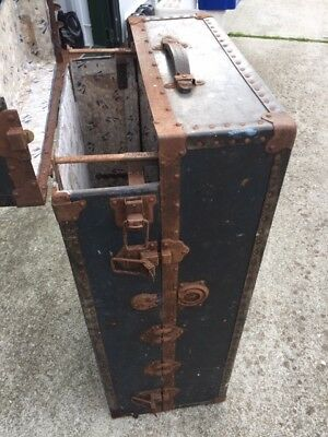 Antique / Vintage Victor Steamer Trunk, ideal coffee table. Needs TLC.....