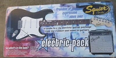 Squier Stratocaster Electric Guitar SE-100 Pack w Squire SE10 Combo Amp