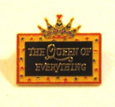 Mary Engelbreit ME THE QUEEN OF EVERYTHING- Pin Pinback