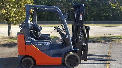 "2015 Toyota 8FGCU25 Forklift Truck, 189"", Side Shift, New paint"