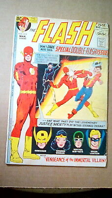 The Flash #213 (DC 1972) GD 2.0 Golden Age Flash Appearance 25 cent cover 52 pgs