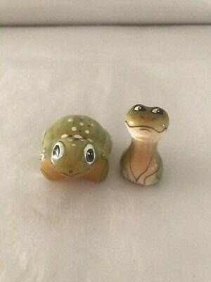 Frogs   Statuette of Selenite Souvenirs Russia .Animals . Stone Carving