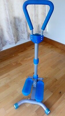 Step exercise machine with handle. Measures time, steps or calories burned.