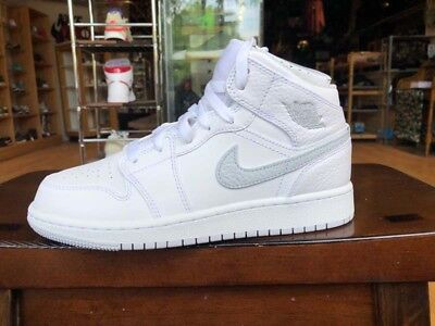 Air Jordan 1 Mid (Gs) Shoe 554725-108