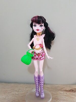 Monster High Doll New Dress complete Outfit Clothes handbag shoes top skirt