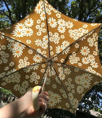 """VTG Parasol Umbrella Yellow Taupe Child Girl Daisy Hand Painted Handle 22"""" MCM"""