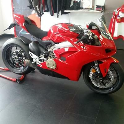 New Ducati Panigale V4 Akrapovic and Sport Pack