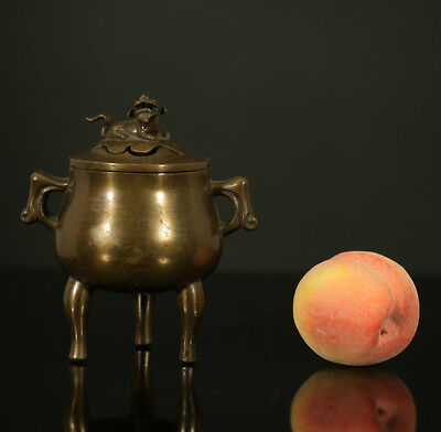 A BEAUTIFUL antique CHINESE BRONZE TRIPOD CENSER WITH COVER FOO DOG 19TH CENTURY