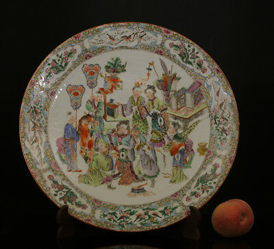 A BEAUTIFUL HUGE antique CHINESE CANTONESE PORCELAIN FAMILLE ROSE CHARGER 19TH C