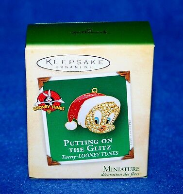 "Hallmark 2004 ""putting On The Glitz"" Tweety Looney Tunes Miniature Ornament (Nib"