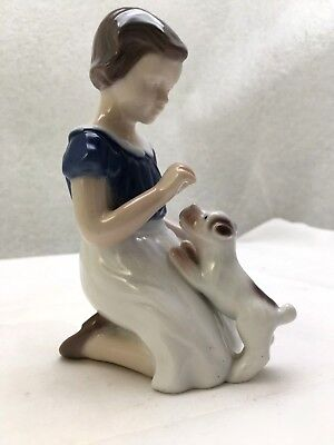 "Bing & Grondahl ""girl Kneeling With Puppy* Figurine #2316-Vita Thymann-Excellent"