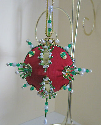 """/""""Gemstone Star/"""" kit makes 2 Christmas Ornaments Bead /& Sequin Red,Green,Blue NEW"""