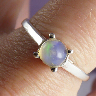 Crowned Feature Gem SilverSari Ring Size US 6 1/4 Solid 925 Sterling Silver OPAL