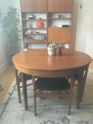 Retro Teak Mid Century Danish Style Round Extending Dining Table And Four Chairs