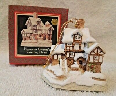 David Winter Cottages 1987 Christmas Ornament Scrooge's Counting House