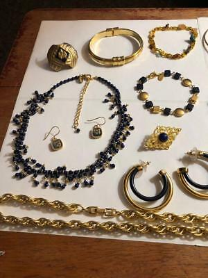 Vintage Lot Of Necklaces Ring Brooches Earrings Napier Monet Estate Jewellery