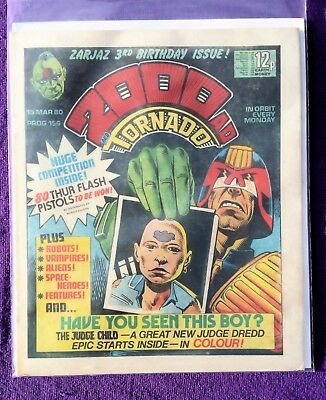 2000AD PROG Dredd 1st JUDGE CHILD 1st ISSUE 3rd Birthday Issue Lovely Condition}