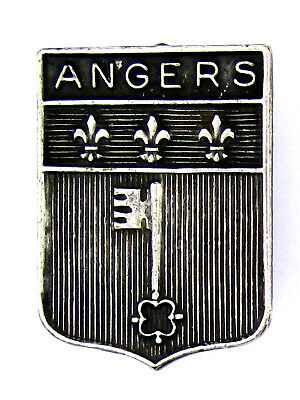 Broche ~ (badge/brooch) ♦ Ecusson Angers - 2 x 1,5 cms