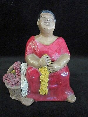 IMMACULATE RARE VINTAGE CLAY POTTERY 50s GERTZ HAWAIIAN AUNTIE WAHINE LEI SELLER