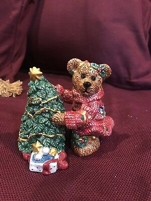 Boyds Bears Bearware  Pottery Christmas Salt & Pepper Shakers Elliott & The Tree