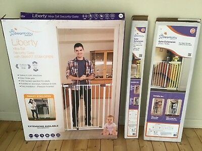 Dreambaby (Liberty) Extra-Tall Child/Dog Safety Gates+ 2 Extensions (75 -118 cm)