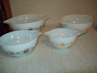Pyrex Cinderella mixing bowls complete set of 4 444 443 442 441 Town & Country