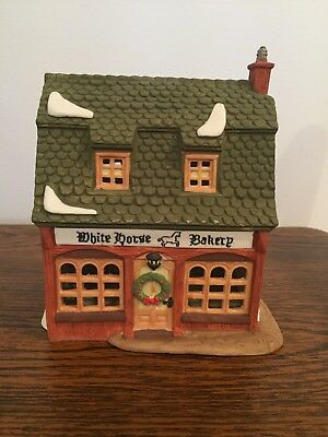 Christmas Village Department 56 Dickens' Village 5926-9 White Horse Bakery