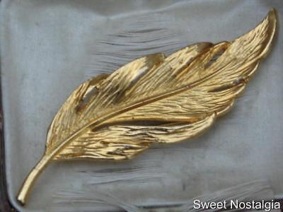 Lovely Vintage 1970/80's Gold Plated Textured And Stylised Leaf Brooch