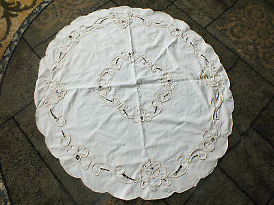"Collectible Beautiful Table Cloth Off White Openwork Scalloped Edge 33"" Round"