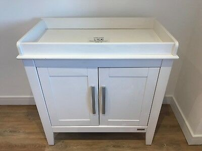 Mamas & Papas Madison Nursery Baby Changing Table / Cupboard
