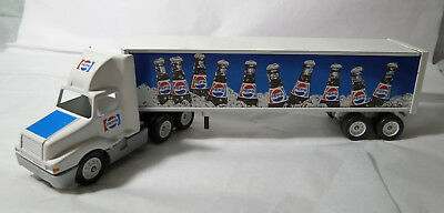1/64 Collectible WINROSS INTERNATIONAL PEPSI CARGO Truck - 1992 - Mint in Box!