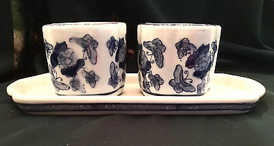 Vintage Set of Two Chinese Blue & White Ceramic Porcelain Planters on Tray