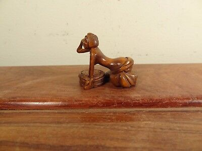 Boxwood Netsuke Lady