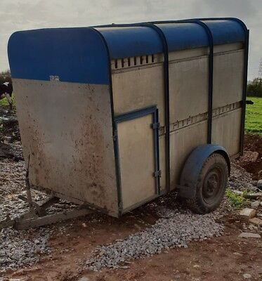 small cattle trailer
