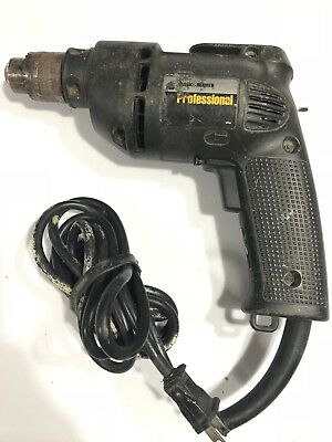 Black And Decker DRILL model 1166 corded. 4 Amp Excellent condition. Chuck Key.