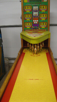United Amusement Co. 10th Frame Super Shuffle Alley Bowler