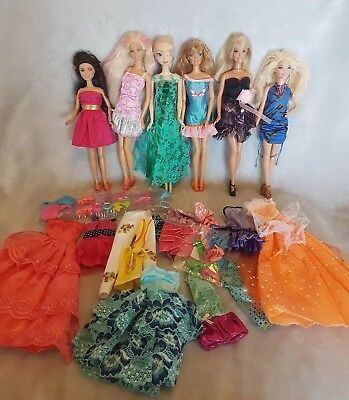 Barbies Pre loved dolls bulk lot clothes and accessories  lot 55