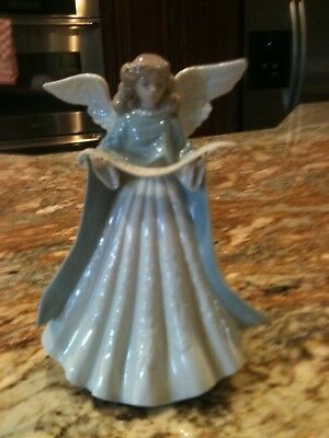 Lladro Figurine #05875 Christmas Angel with Scroll Tree Topper Excellent