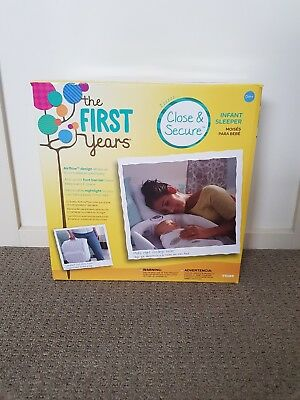 Newborn Infant Sleeper Compact Foldable First Years Close and Secure