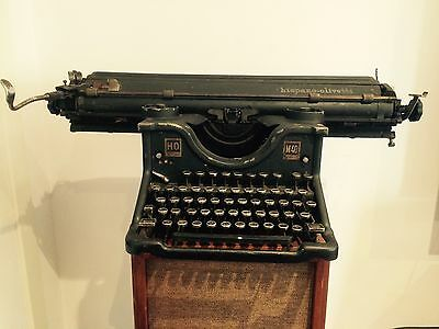 Hispano Olivetti M40 Typewriter